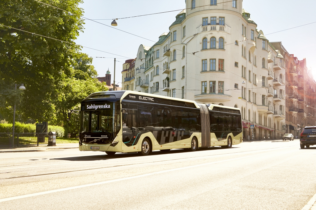 electric articulated bus volvo