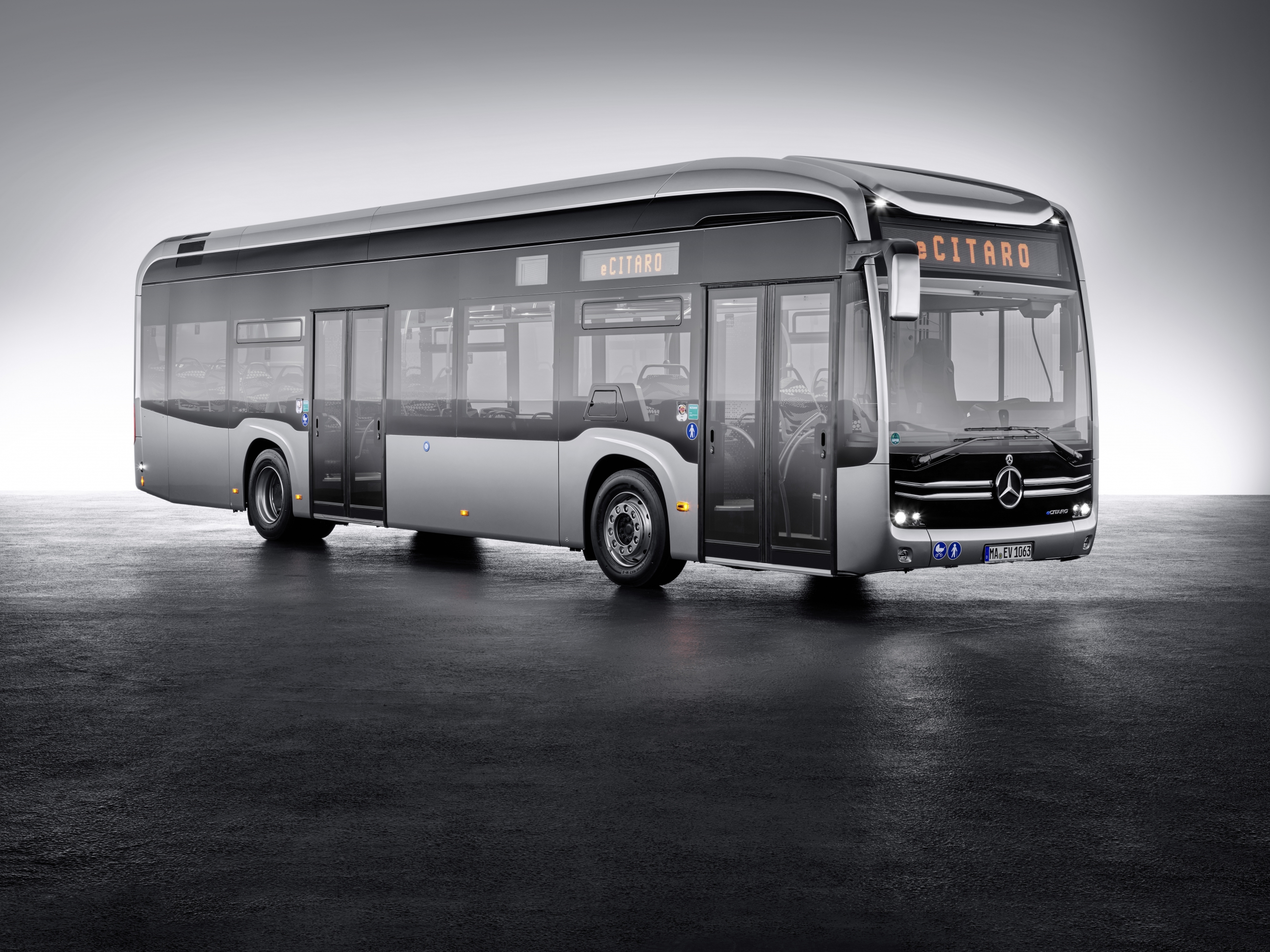 mercedes electric bus ecitaro
