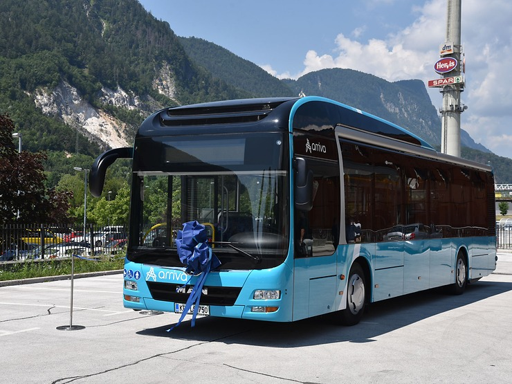 man lion's city hybrid bus slovenia