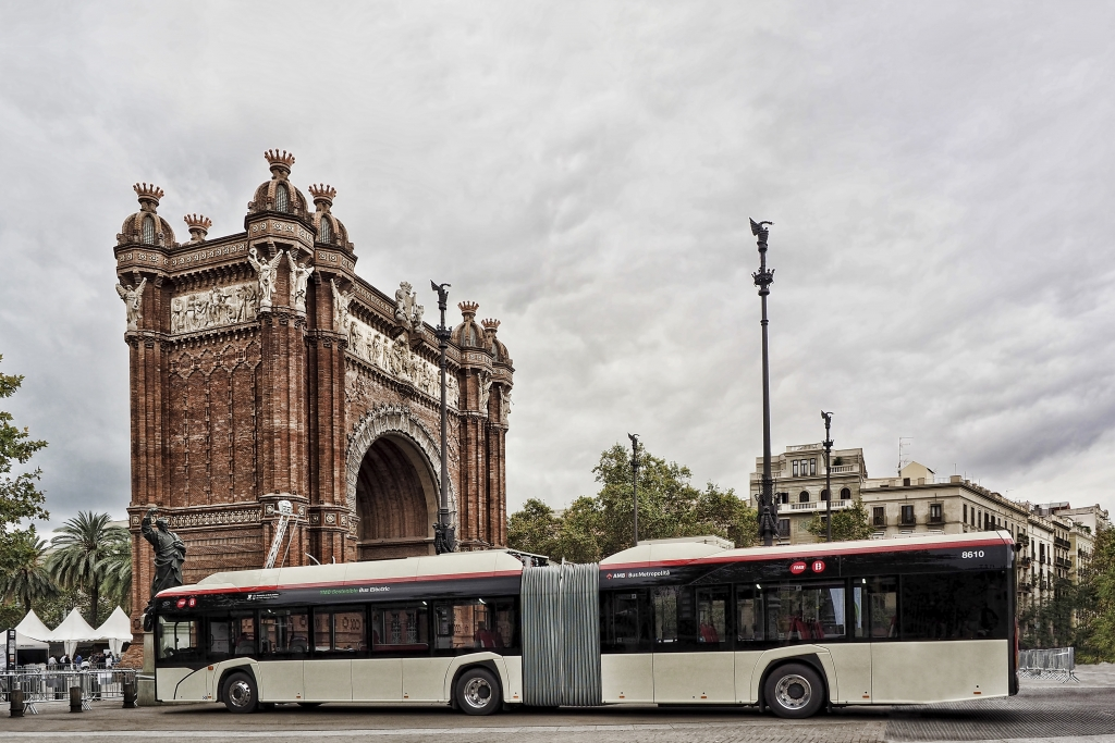 solaris electric bus tmb barcelona