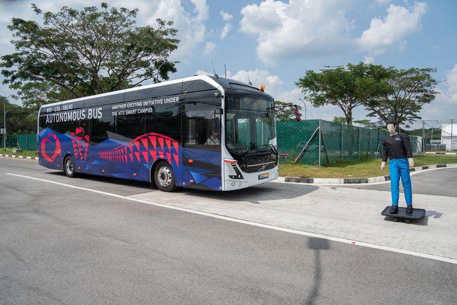 autonomous bus driverless volvo