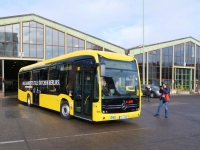 mercedes ecitaro electric bus