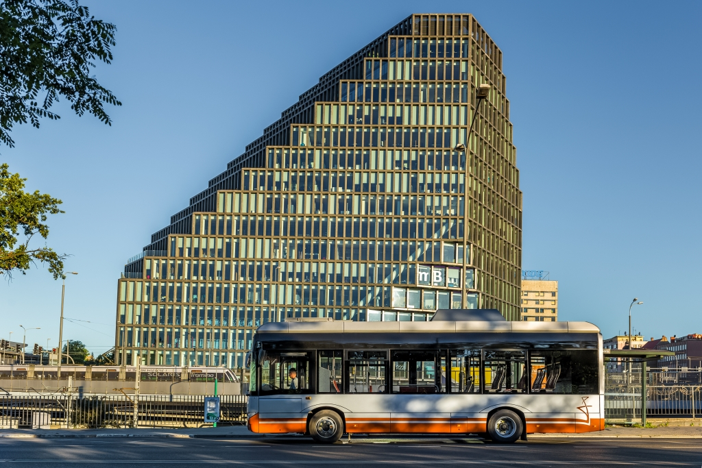 electric bus lithuania solaris