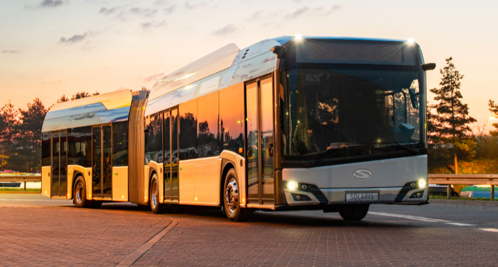 https://www.sustainable-bus.com/news/solaris-ready-to-unveil-a-solaris-urbino-18-electric-with-550-kwh-battery/