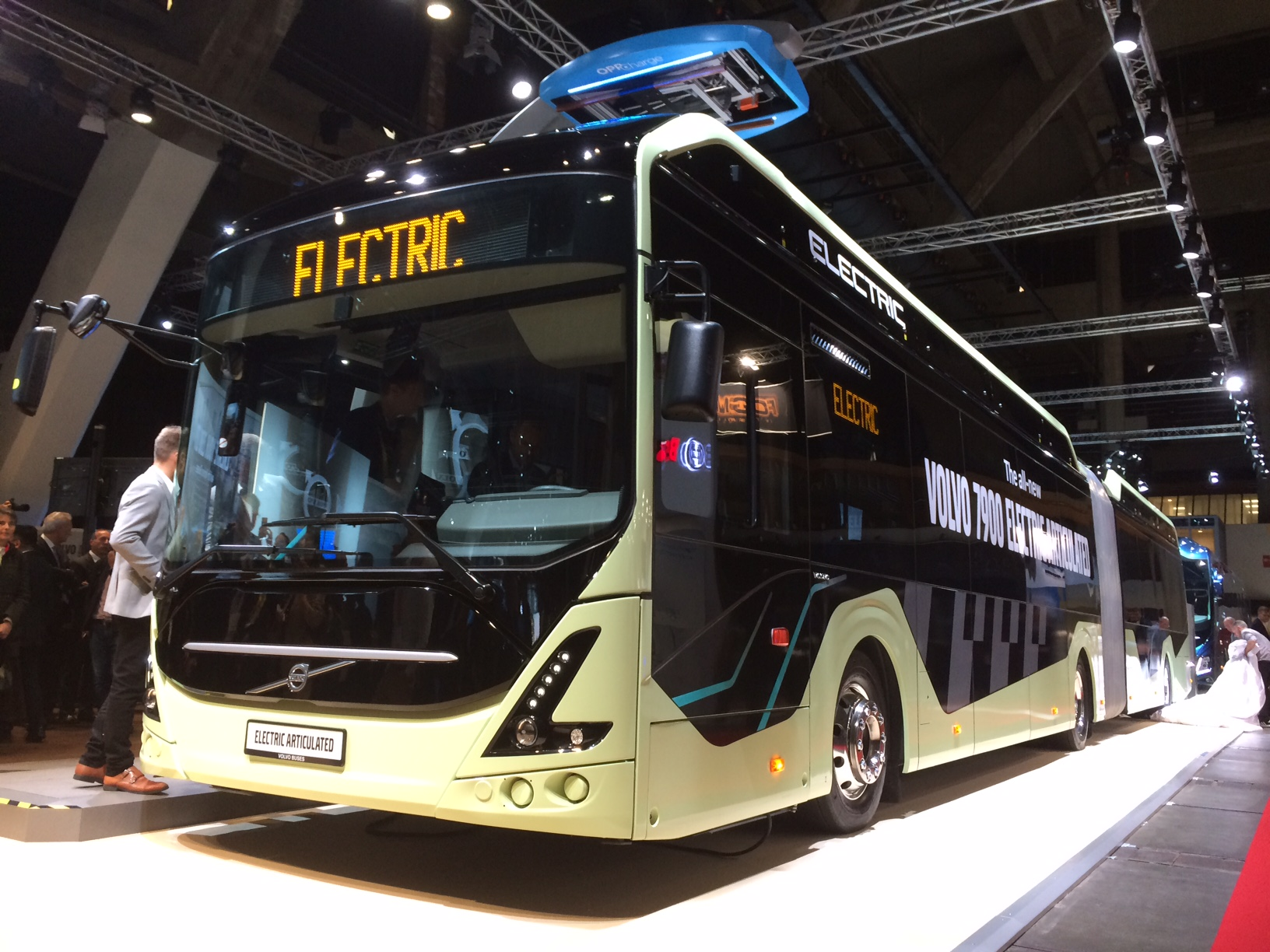 New driveline and up to 400 kWh for Volvo electric articulated bus ...