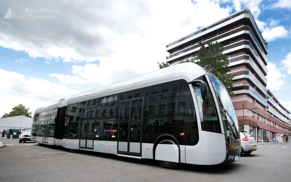 pau hydrogen buses