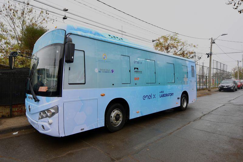 electric bus mobile lab santiago