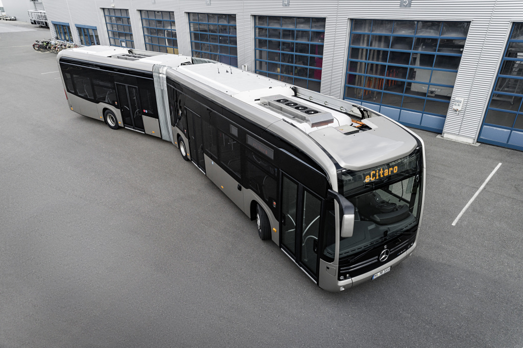 mercedes ecitaro articulated bus