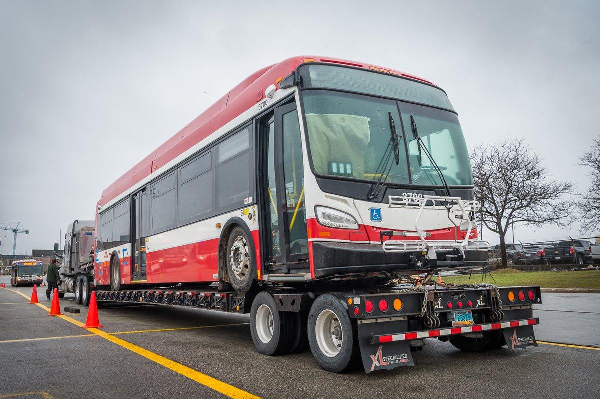 toronto largest electric bus fleet