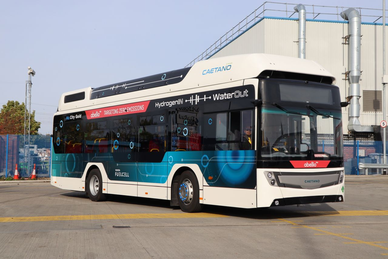 caetano fuel cell bus london