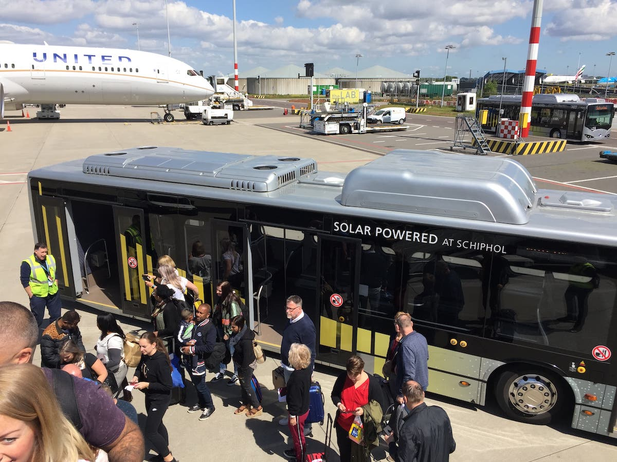 New electric shuttle bus service announced in Amsterdam between Schiphol  airport and hotels