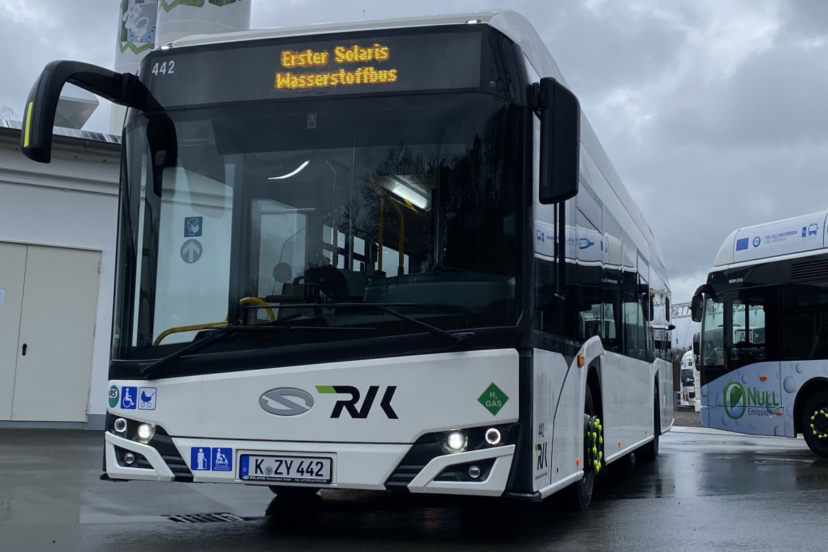 solaris fuel cell bus rvk