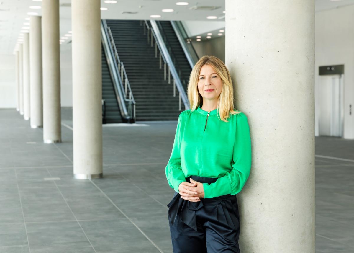 Kerstin Kube-Erkens Senior Product Manager BUS2BUS